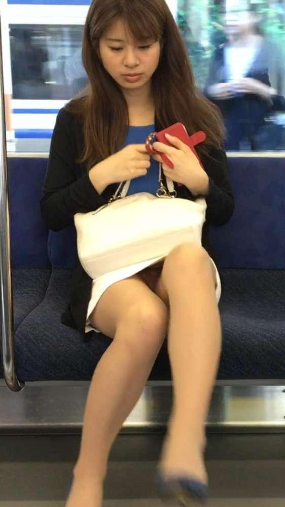 電車パンチラのアイコラ