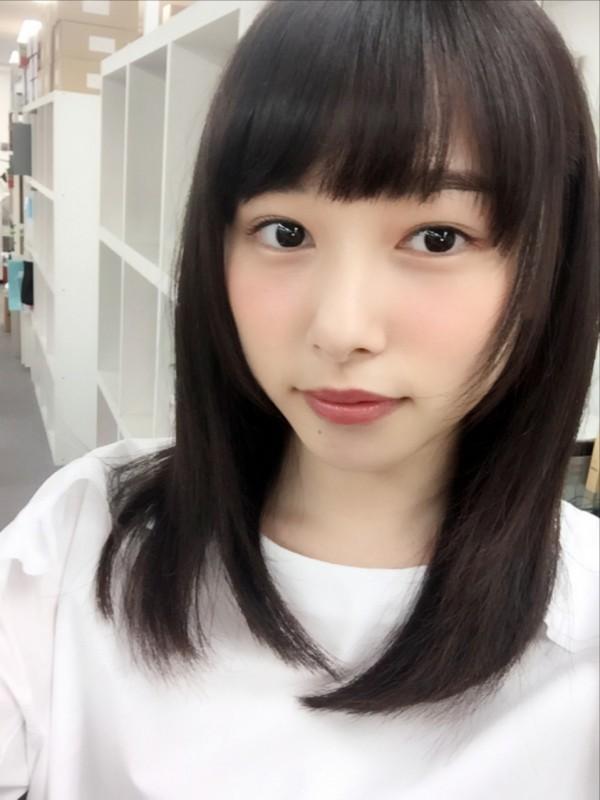 桜井日奈子の巨乳で胸チラエロ画像