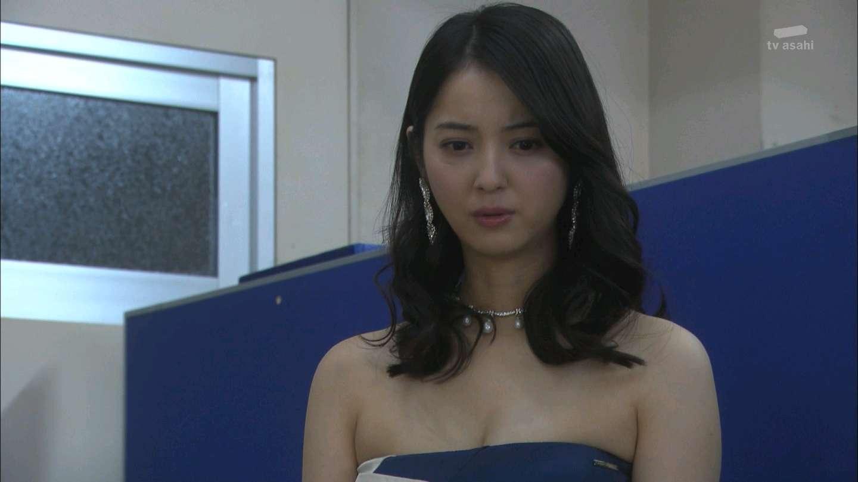 佐々木希のセクシー水着エロ画像が放送事故