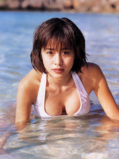さとう珠緒のヌード乳首エロ画像
