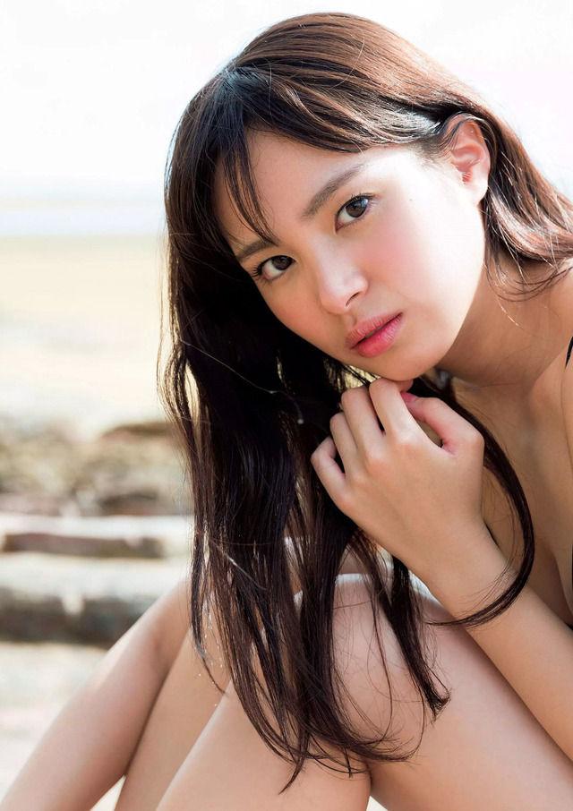 関水渚のセックスの濡れ場画像