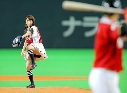 大島優子始球式のエロ画像