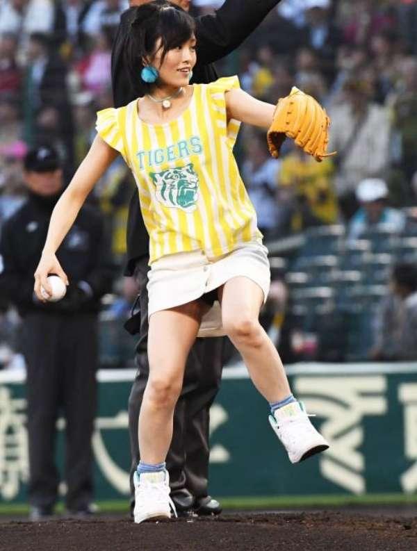始球式のお宝エロ画像