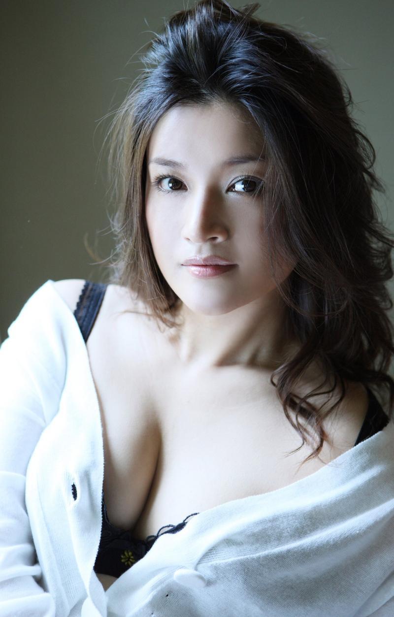 島崎和歌子のセックスの濡れ場画像