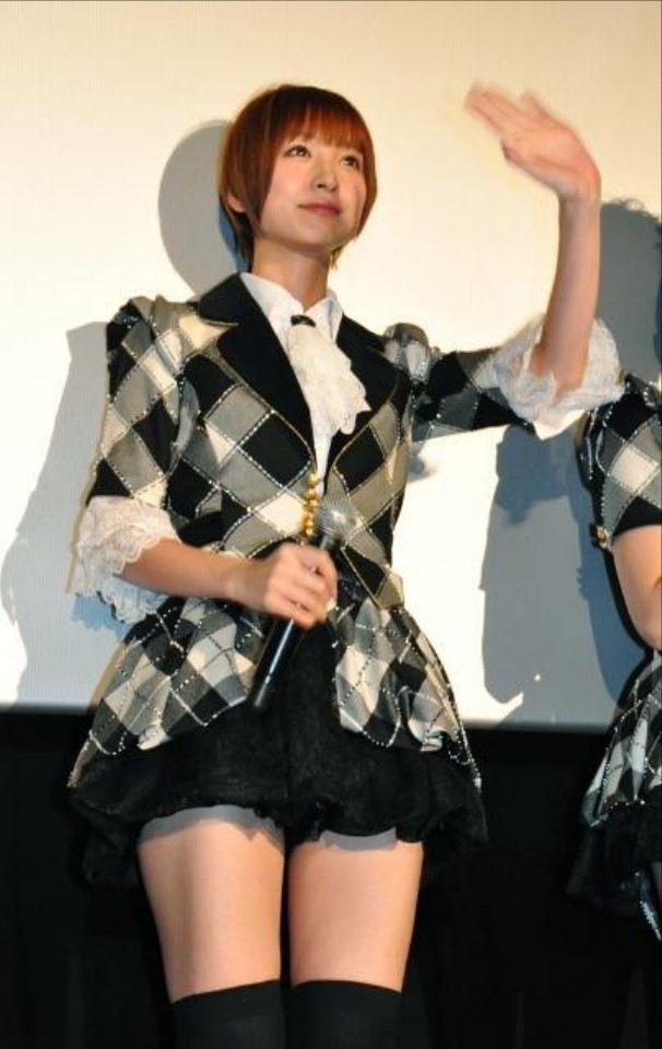 篠田麻里子モロにパンチラや放送事故画像