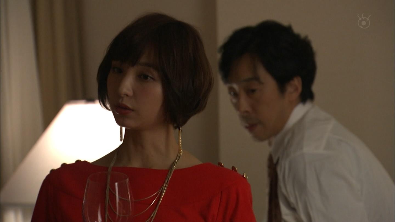 篠田麻里子のエロパンチラ画像
