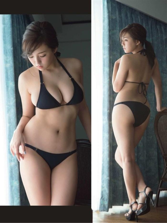 篠崎愛のエロパンチラ画像