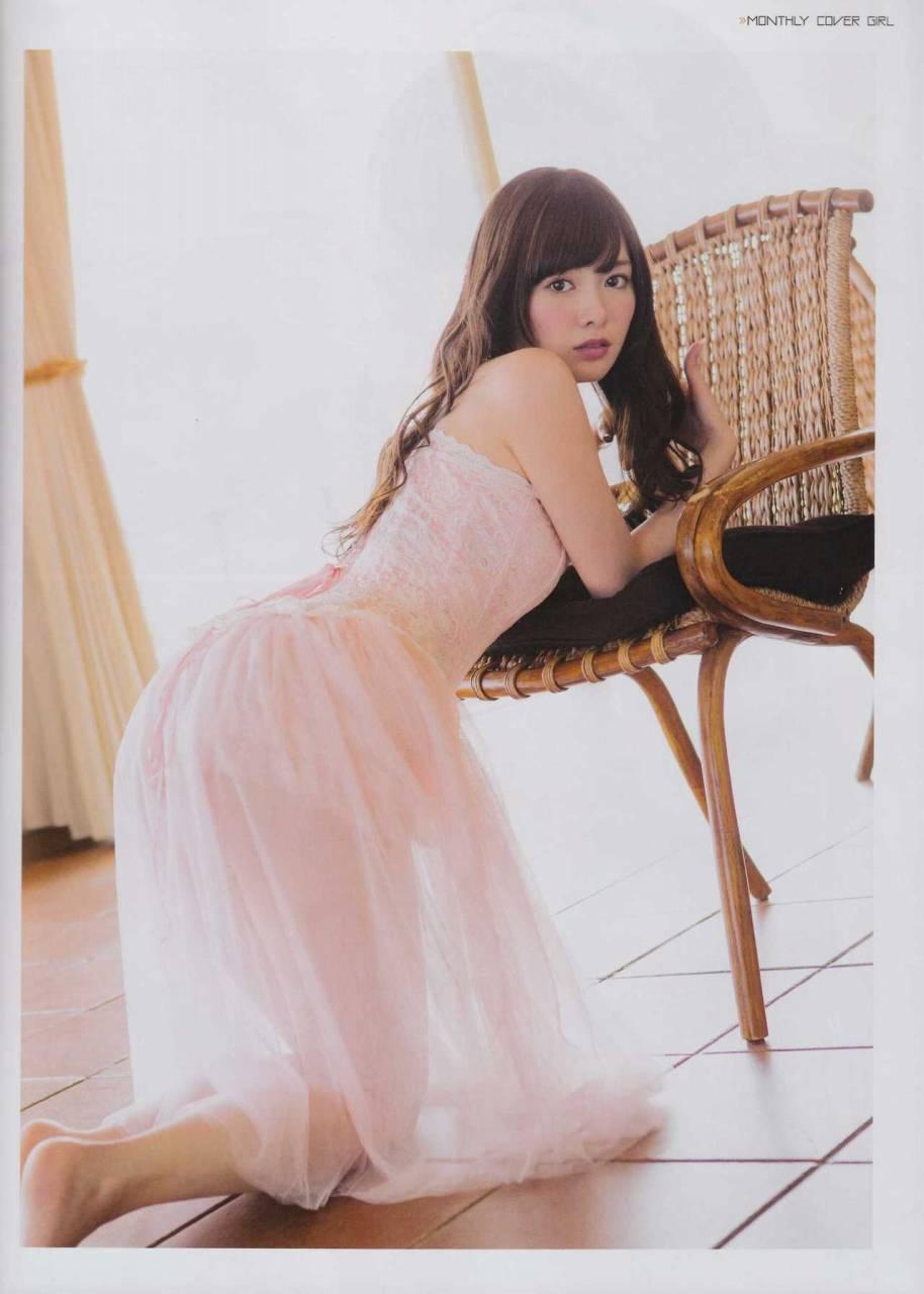 白石麻衣モロにマンスジやハミマンエロGIF画像