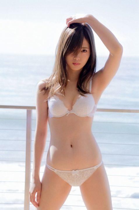 白石麻衣のお宝エロ画像