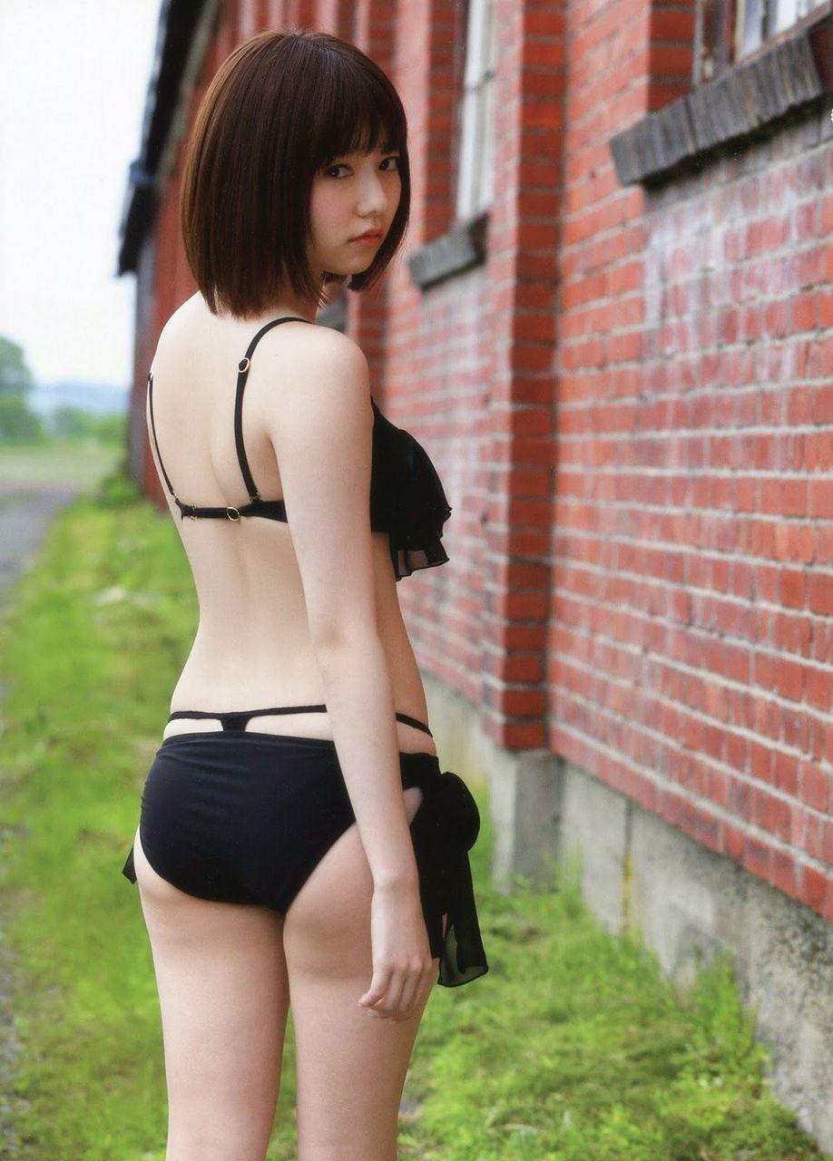 島崎遥香のパンチラエロ画像