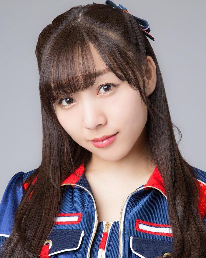 須田亜香里の巨乳で胸チラエロ画像