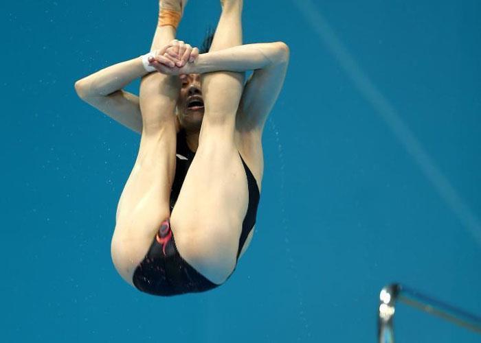 エロ水泳競泳シンクロの無修正ヌード
