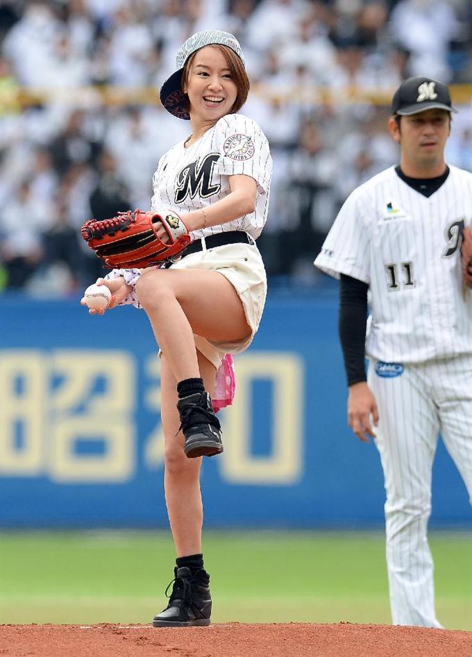 鈴木亜美の乳首ポロリ画像