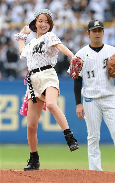 鈴木亜美の巨乳で胸チラエロ画像