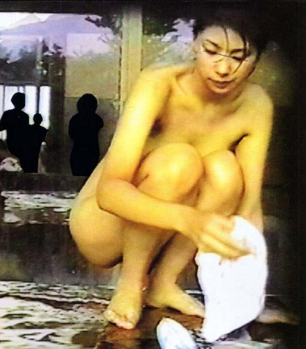 鈴木紗理奈のパンチラ画像