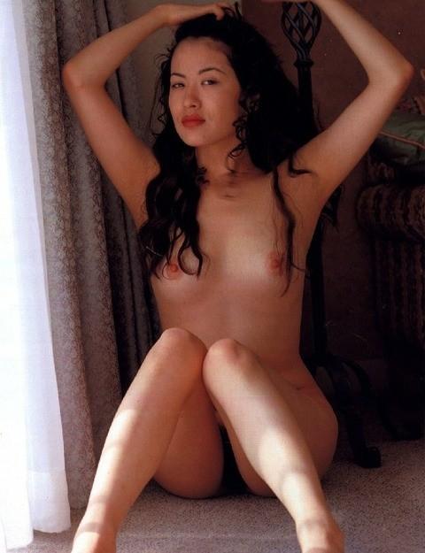 鈴木砂羽のセックスの濡れ場画像