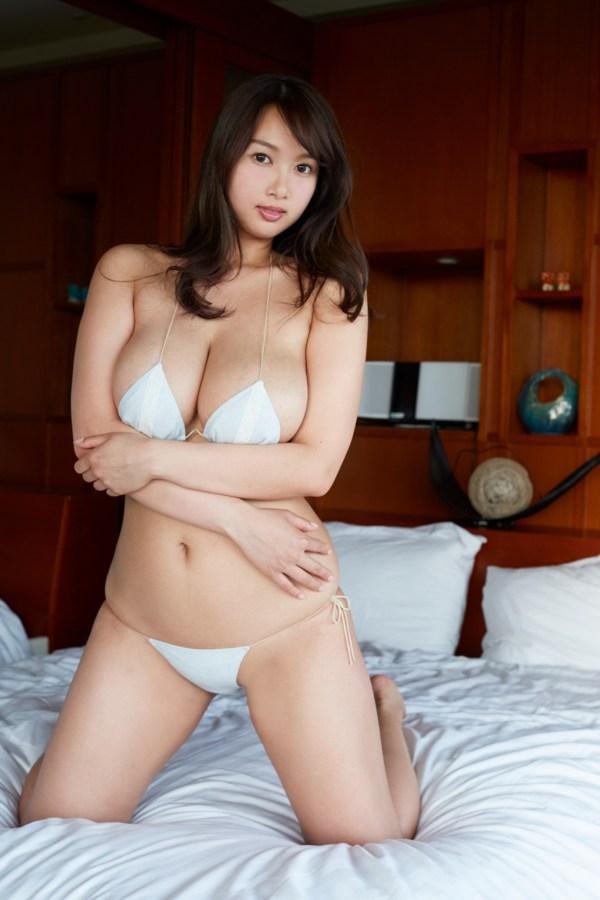 高梨れいのセックスの濡れ場画像