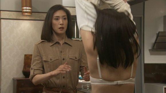 武井咲のおっぱいエロ画像