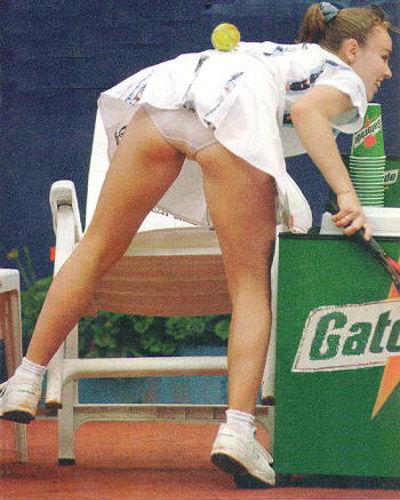 キャロライン・ウォズニアッキのテニスのエロ画像