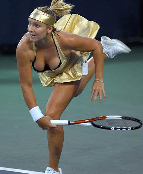 女子テニスのハミ乳、胸チラエロ画像をまとめ