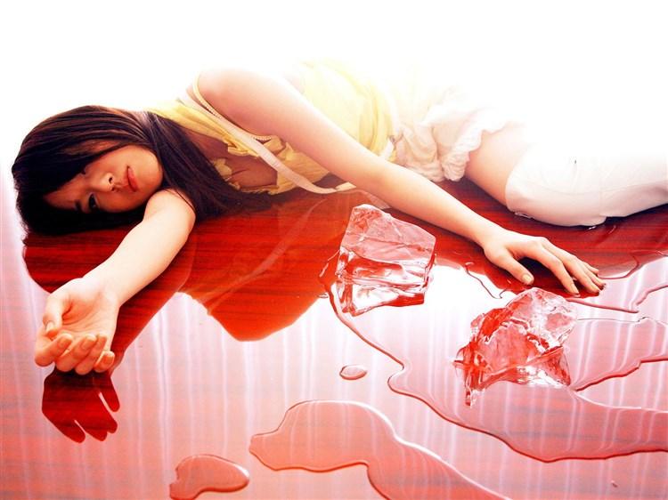戸田恵梨香の乳首ポロリしたヌードエロ画像や胸チラ