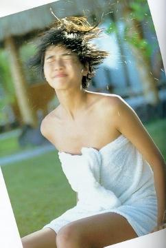 内田有紀のおっぱいエロ画像