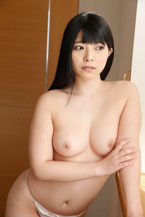 上原亜衣の乳首ポロリ画像