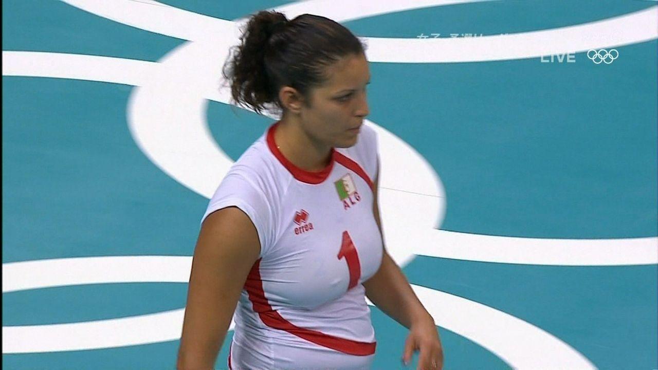 海外女子バレーボールのパンチラエロ画像