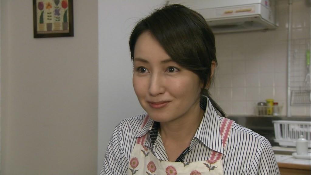 矢田亜希子の全裸ヌードで露出画像
