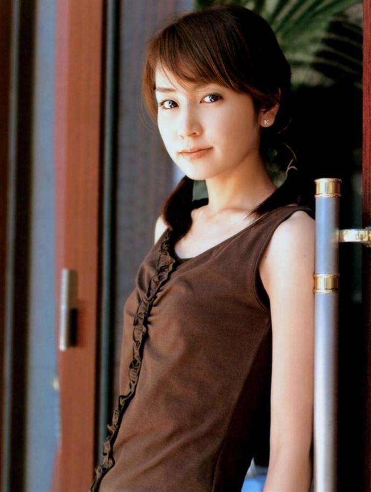 矢田亜希子のヌード乳首エロ画像