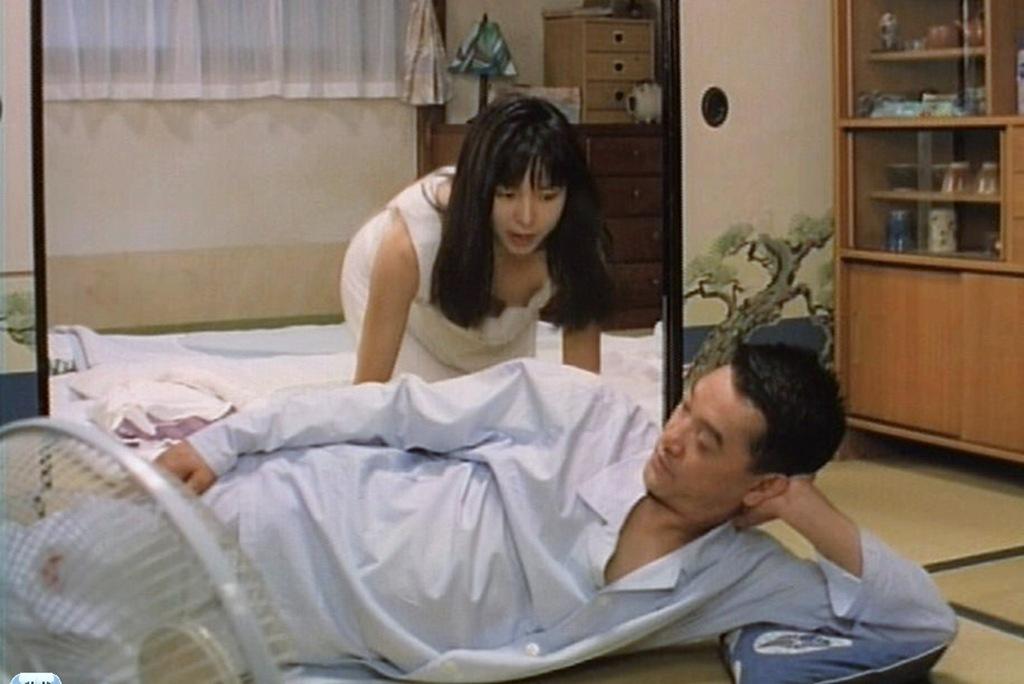 山口智子のパンチラエロ画像