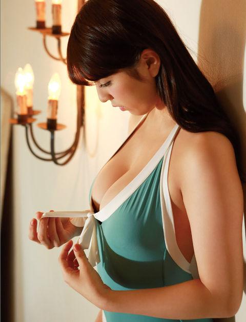 柳ゆり菜のエロ画像