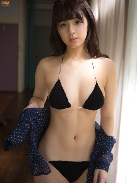 柳ゆり菜のセクシーエロ画像