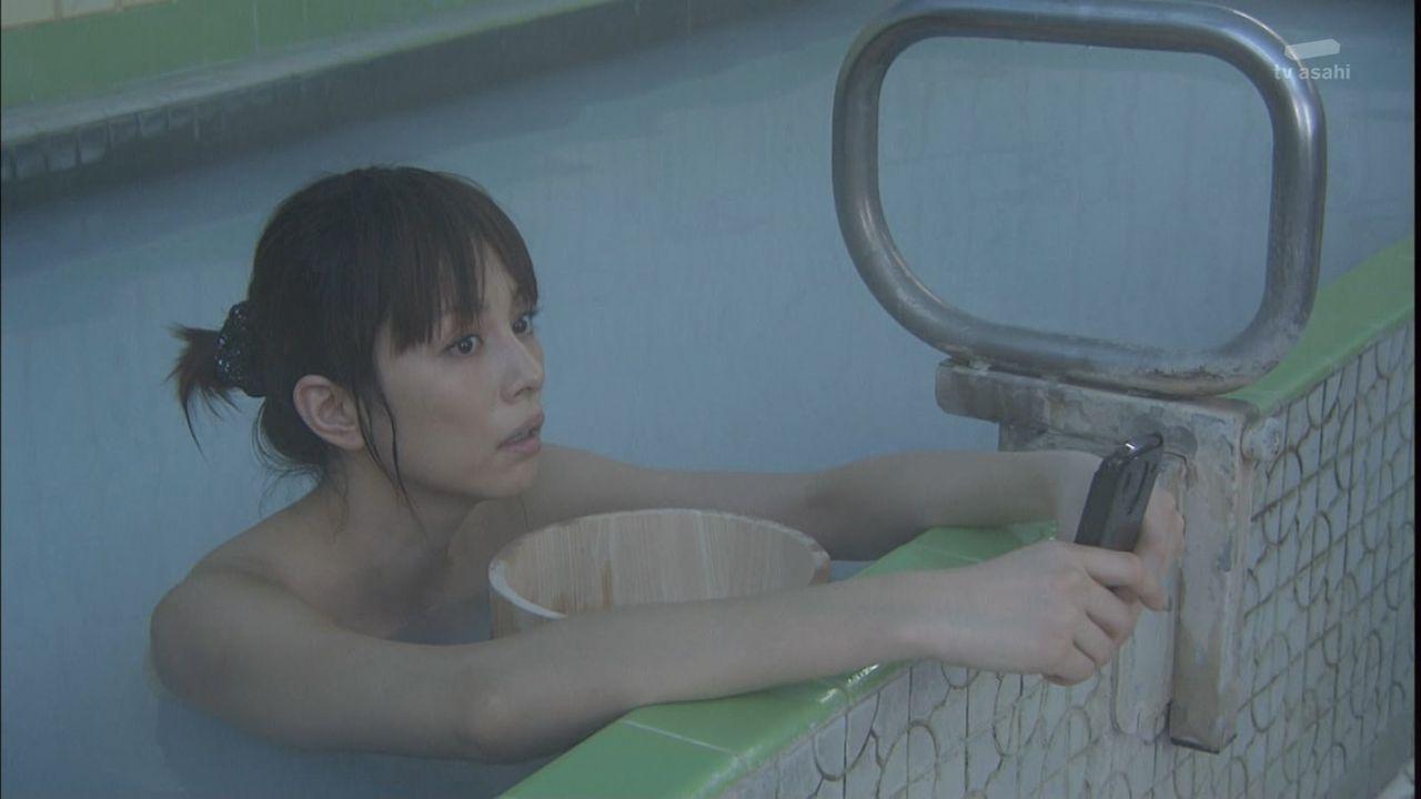 米倉涼子のパンツ丸出しセクシー画像