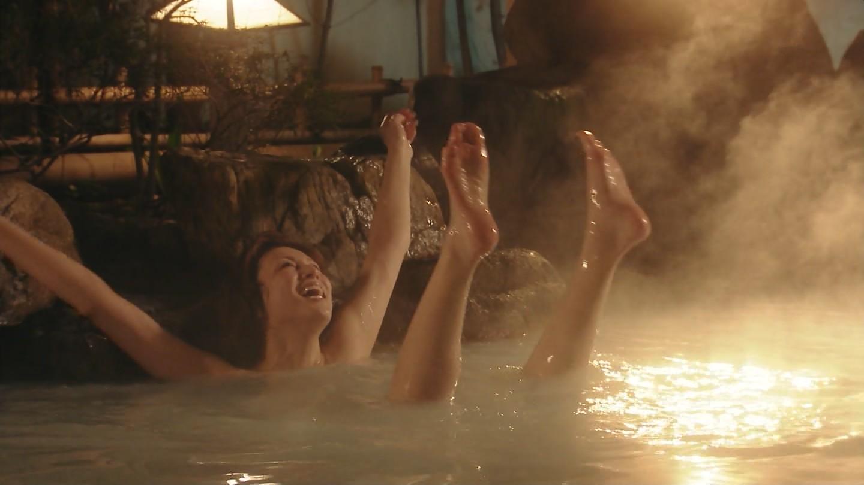 米倉涼子胸の谷間エロ画像