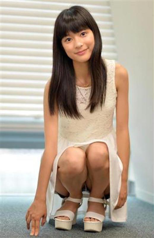 芳根京子のおっぱいエロ画像