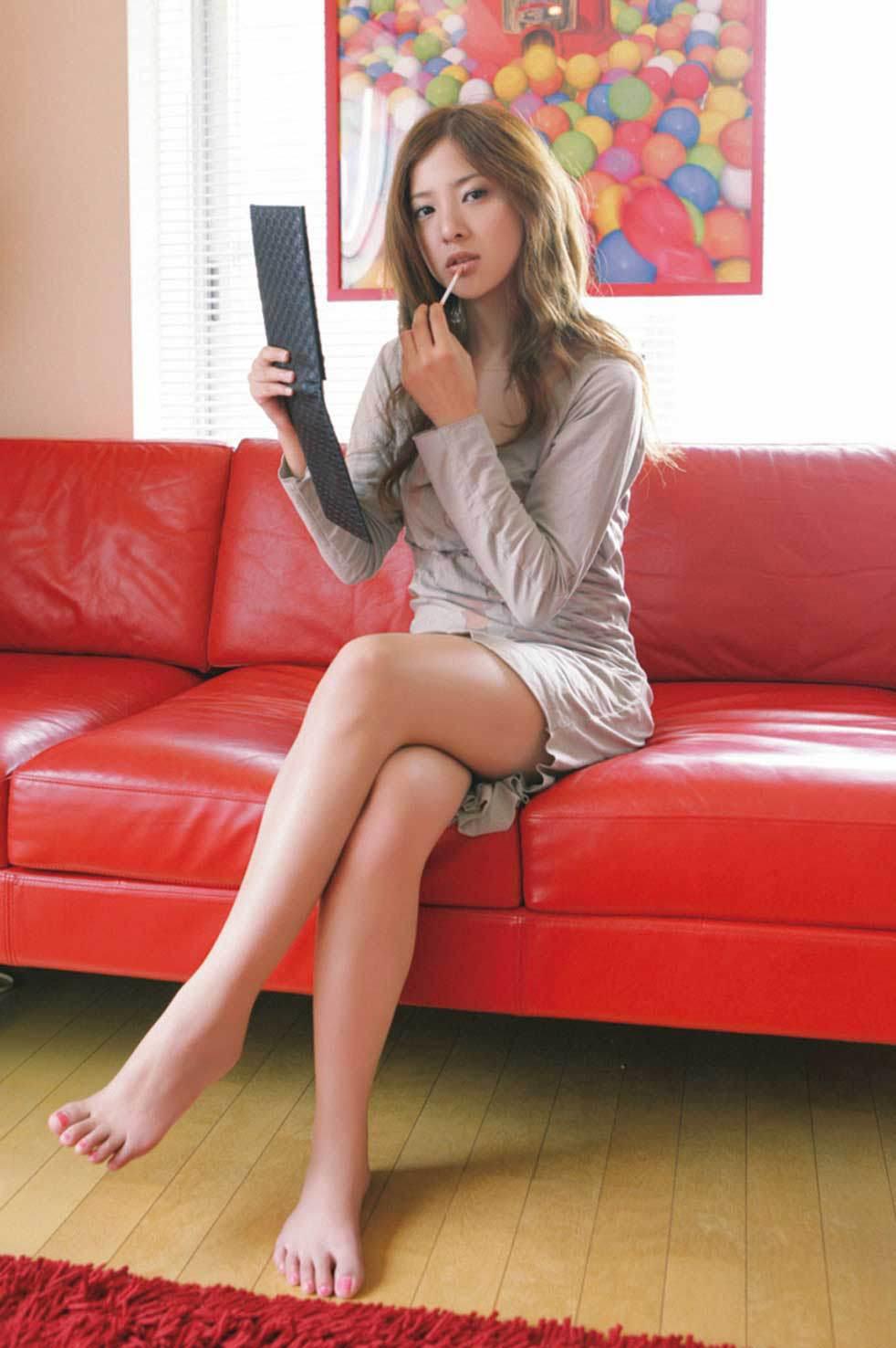 吉高由里子の乳首ポロリしたヌードエロ画像や胸チラ