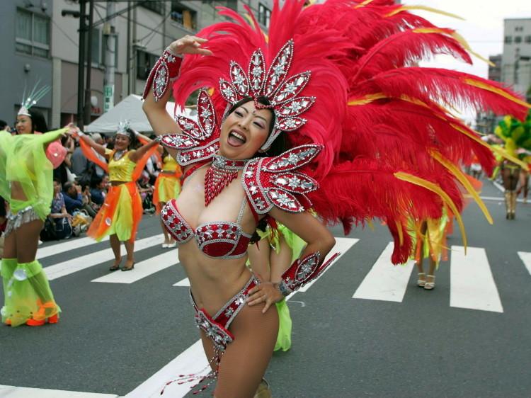 サンバカーニバルのエロおっぱい画像