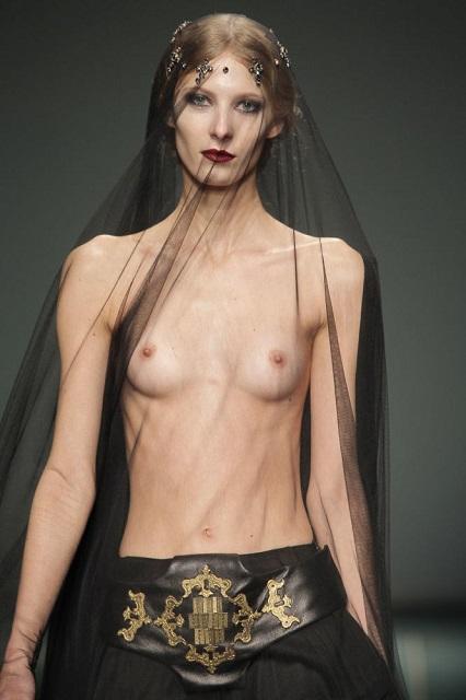 ファッションショーモロにパンチラエロGIF画像