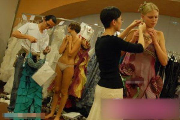 ファッションショーのエロおっぱい画像