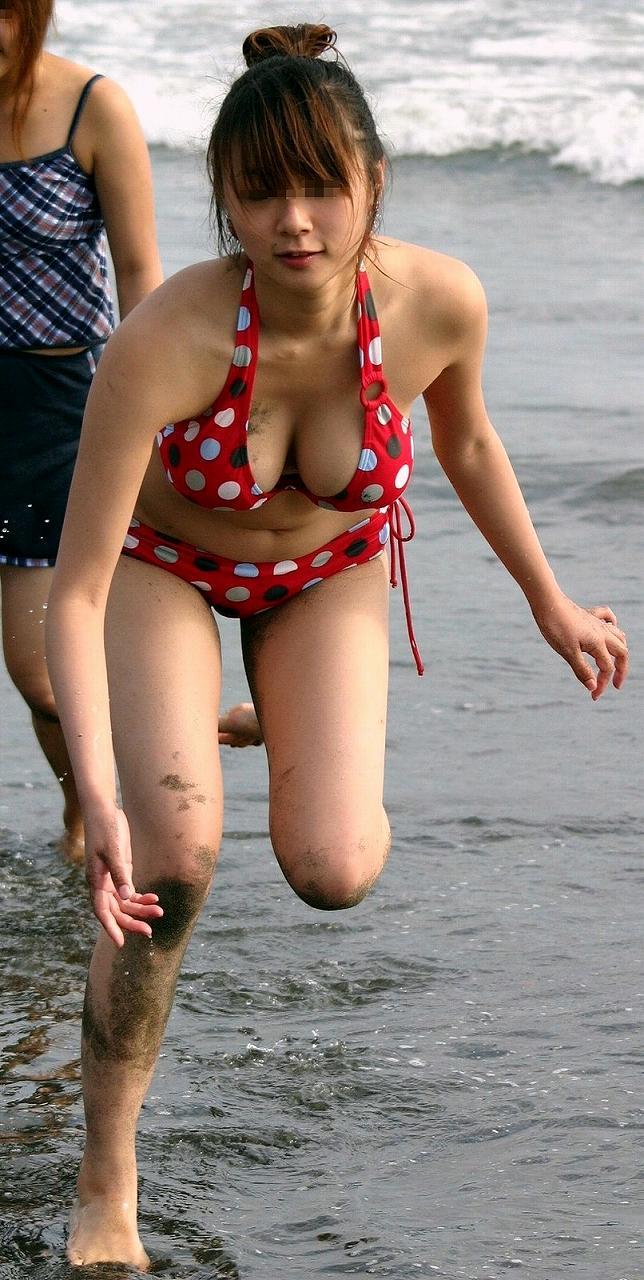 海やプールで水着ポロりエロ画像パンモロまとめ